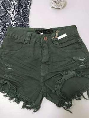 lavinnystore.com.br short jeans destroyed verde militar 2