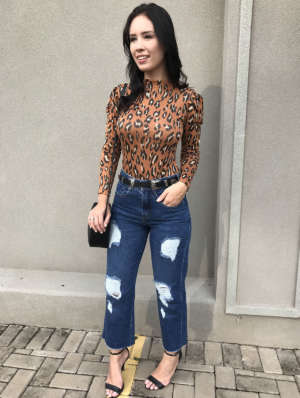 lavinnystore.com.br calca jeans flare fendas copia 1